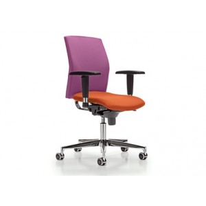 Fit high backrest with adjustable arms chair | Diemme | Office Waiting